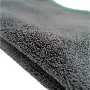 Thick polishing microfiber